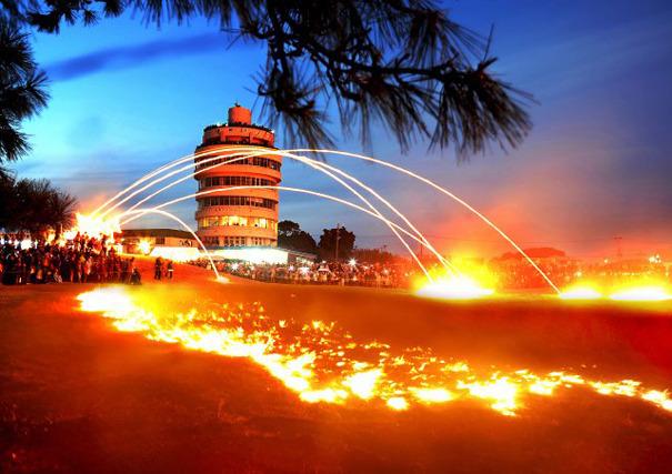 串本火祭り画像